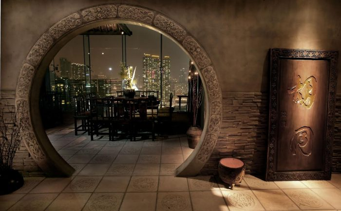 hutong%20archway%20to%20private%20room.jpg
