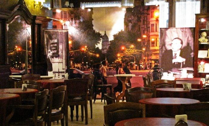 Cafe_Tortoni_by_Capitu.jpg