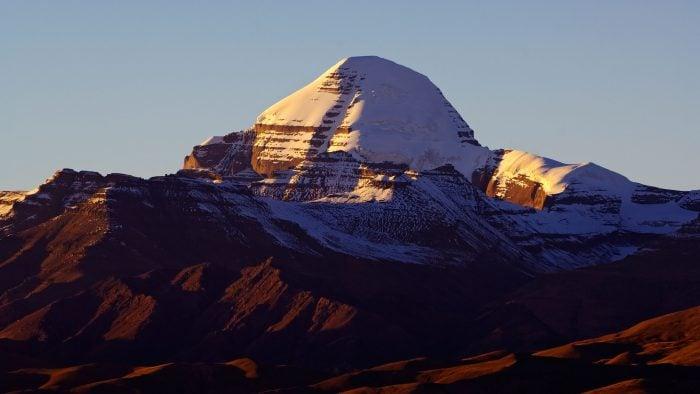 Mount-Kailash-iStock_000020621717_Large.jpg