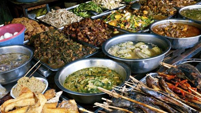 Food_at_kandal_Market_in_Phnom_Penh_Cambodia