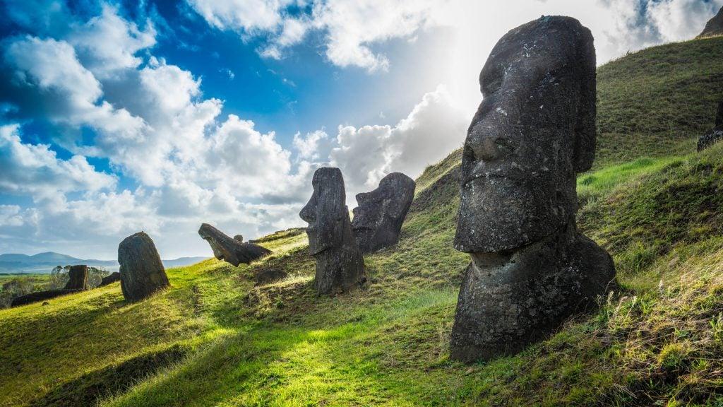 easter-island-moai-statues