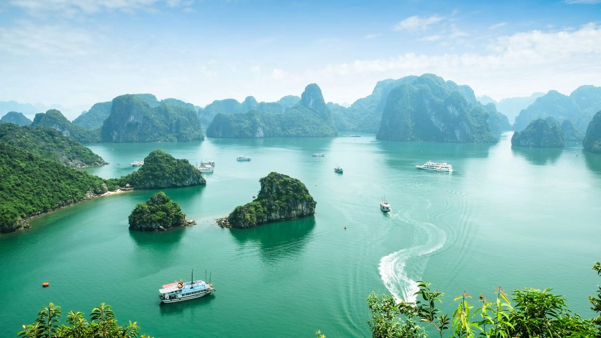Luxury Halong Bay Tours, Private & Tailor-made | Jacada Travel