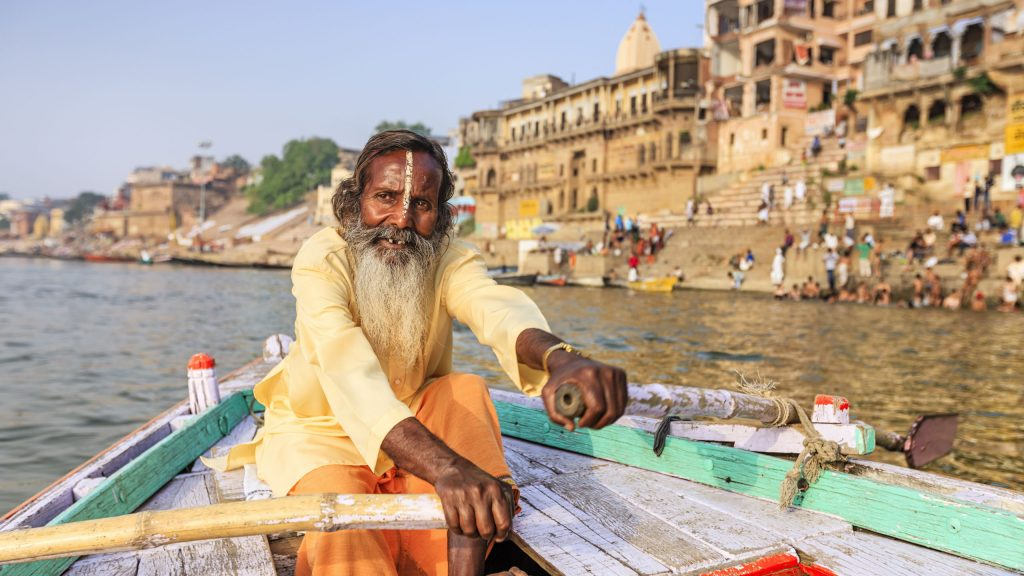 boat-ride-ganges-varanasi