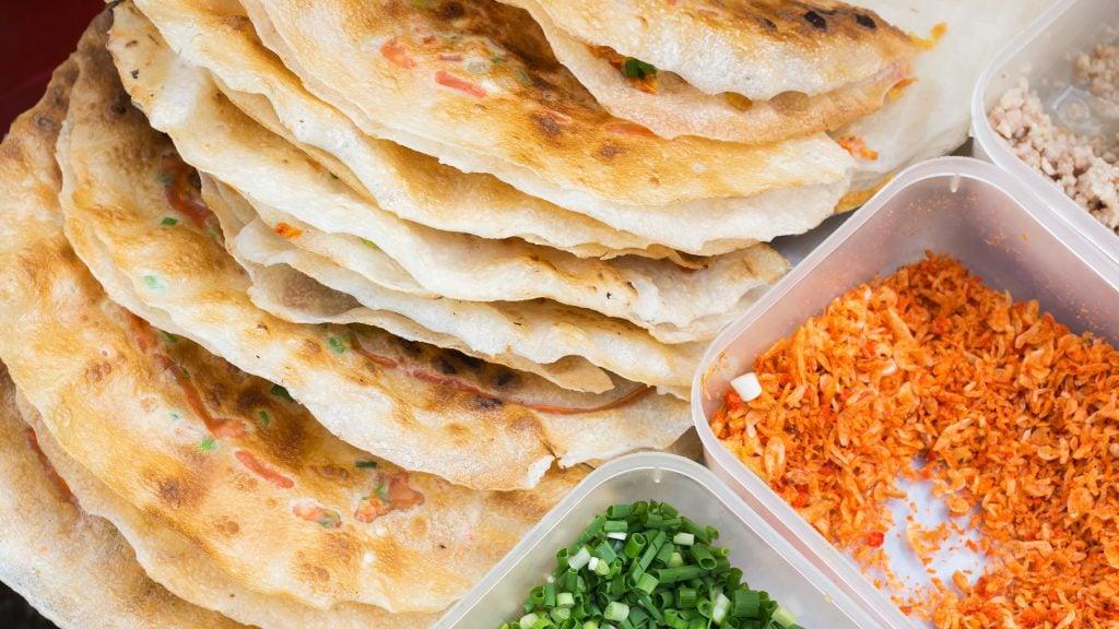 vietnam-street-food-pork-wraps