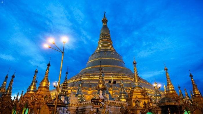 example_trip__World-Wonder-Shwedagon-in-Yangon.jpg