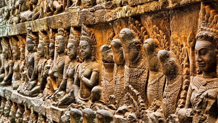 splash-cambodia-angkor-terrace-of-leper-king