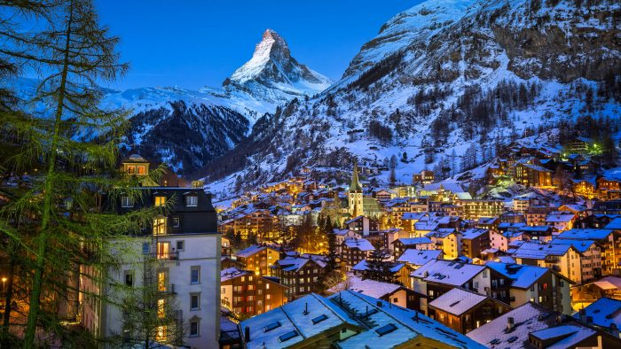 zermatt-valley-matterhorn-peak-switzerland