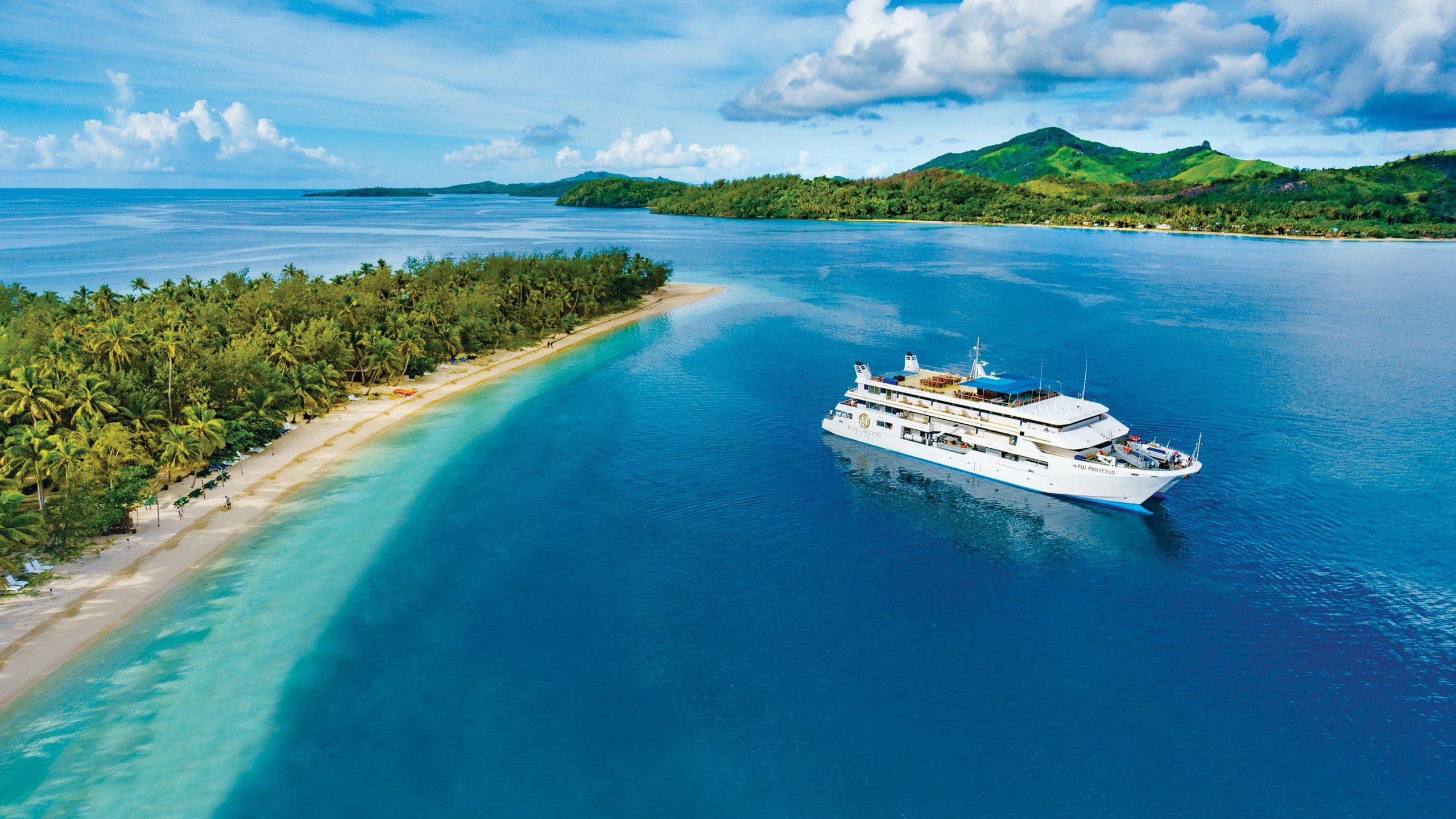 A Luxury Cruise Through The Fijian Islands Jacada Travel