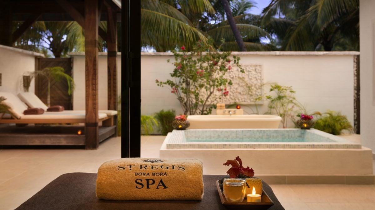 st regis bora bora luxury hotel in french polynesia jacada travel. Black Bedroom Furniture Sets. Home Design Ideas