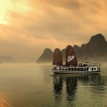 halong-bay-bhaya-legend-vietnam