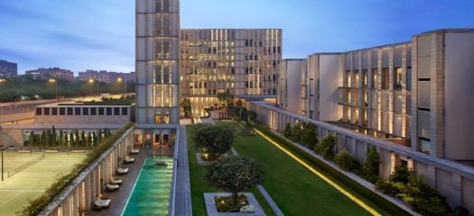 courtyard-facade-option-the-lodhi-delhi