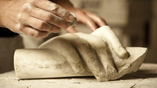sculpture-restoring