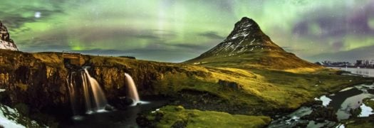 northern-lights-mountains-iceland