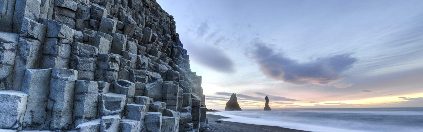 stone-wall-beach-iceland