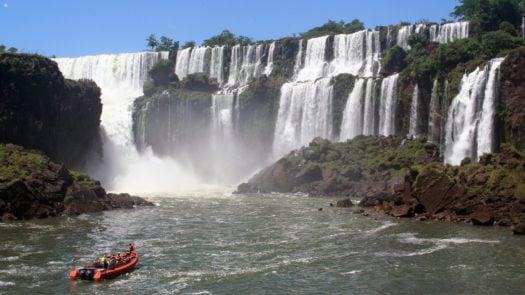 devils-throat-iguassu-falls-argentina