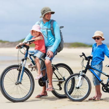 galapagos-family-cycling