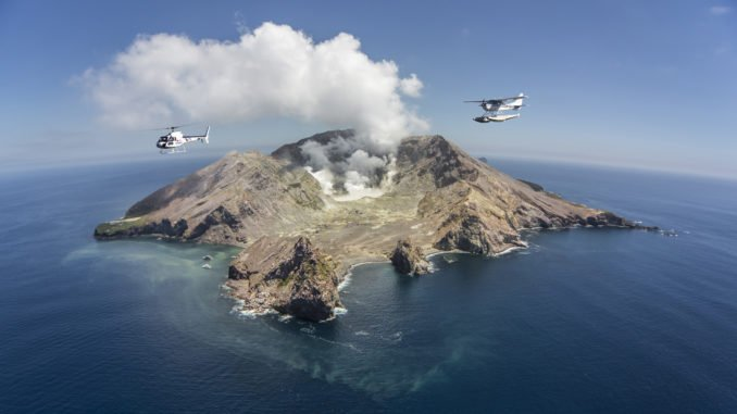 white-island-helicopter