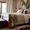 pretty-beach-house-beach-bedroom