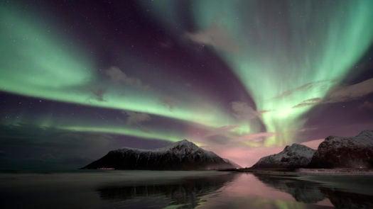 northern-lights-lofoten-islands-norway