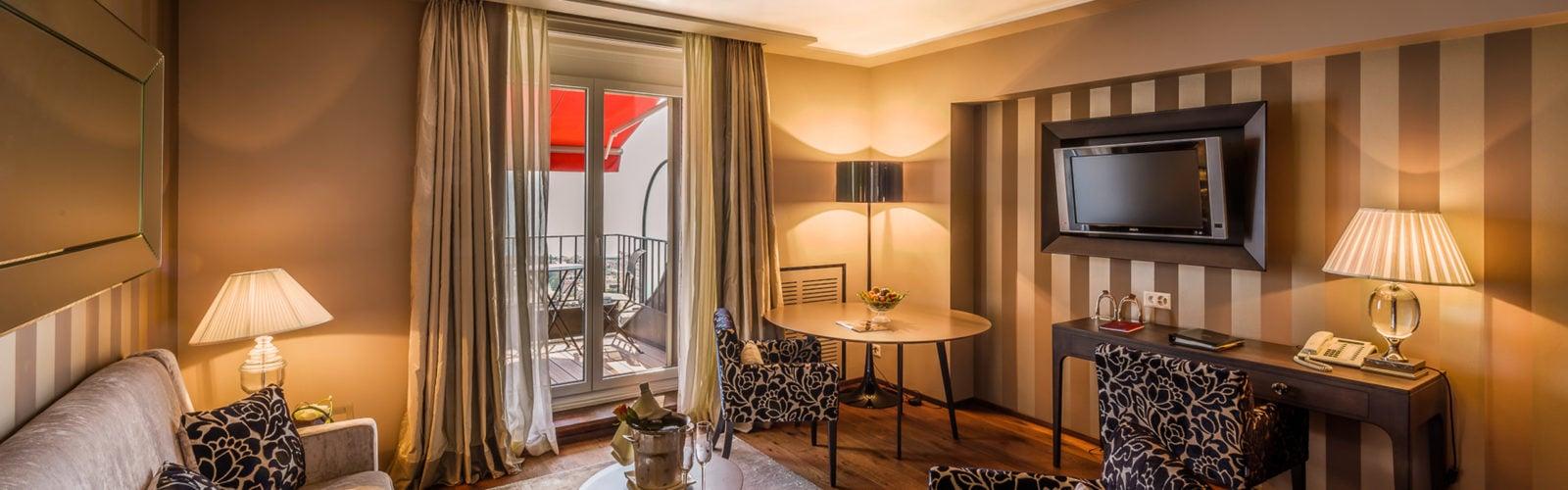 lausanne-palace-suite-living-room