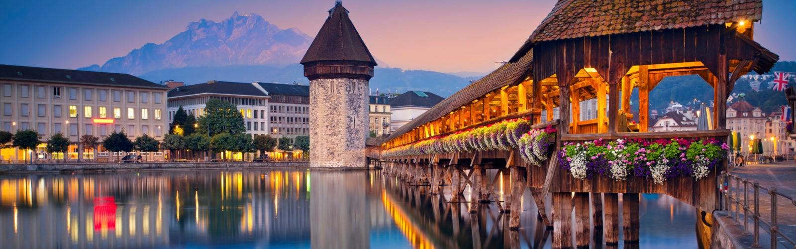lake-lucerne-chapel-bridge-night