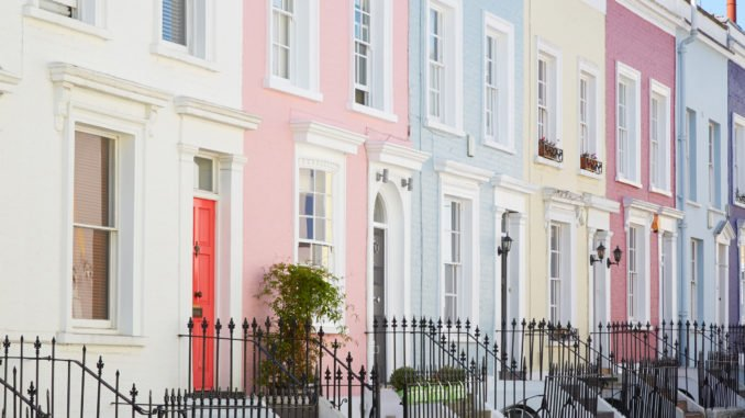 notting-hill-london-colourful-houses