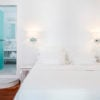 canaves_oia_suites_room-bathroom