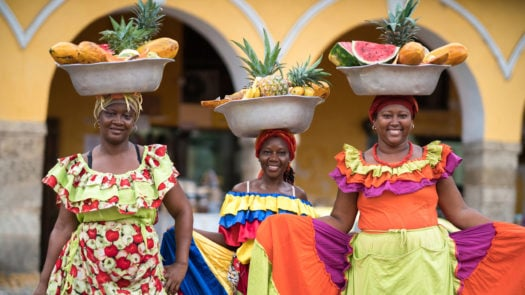 women-selling-fruits-cartagena-colombia