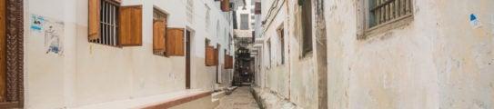 stone-town-zanzibar-alleyway