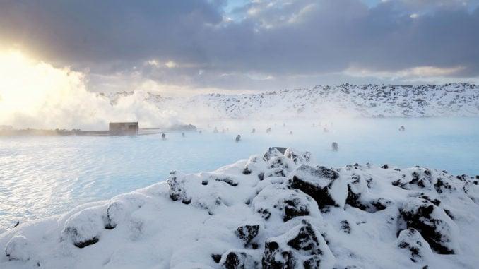 blue-lagoon-winter