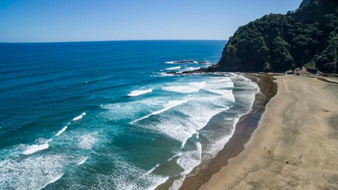 karekare-beach