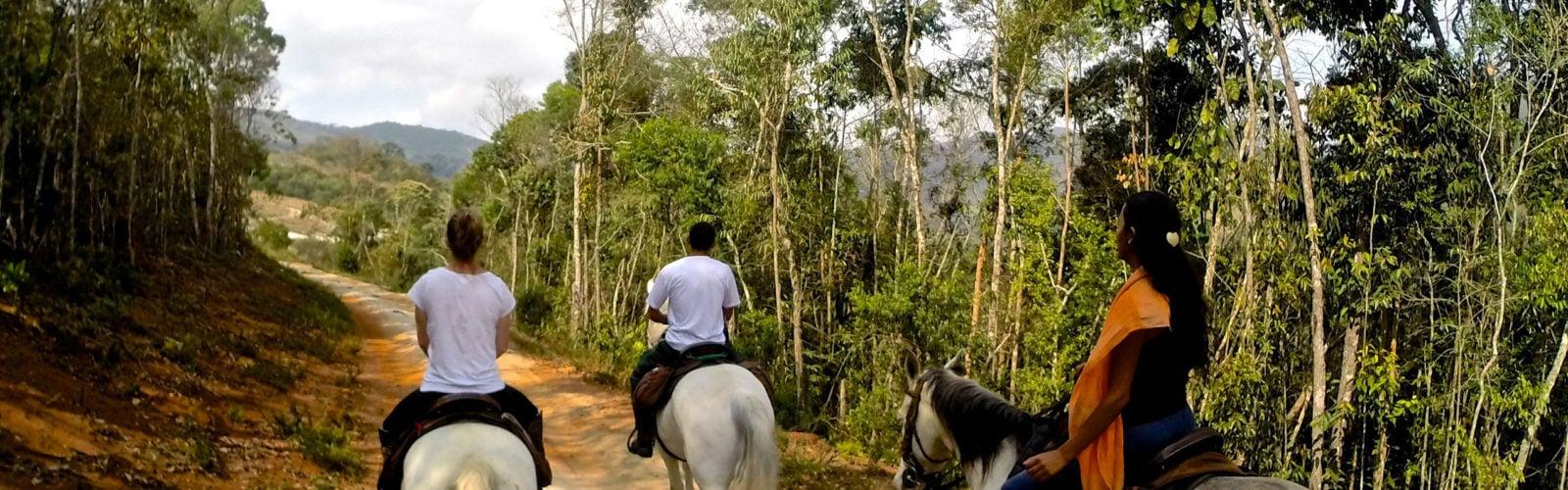 ibitipoca-horese-riding