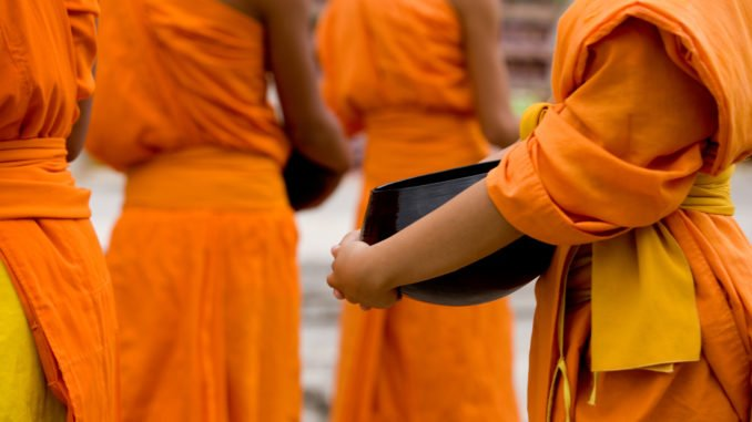 chiang-mai-buddhist-monks