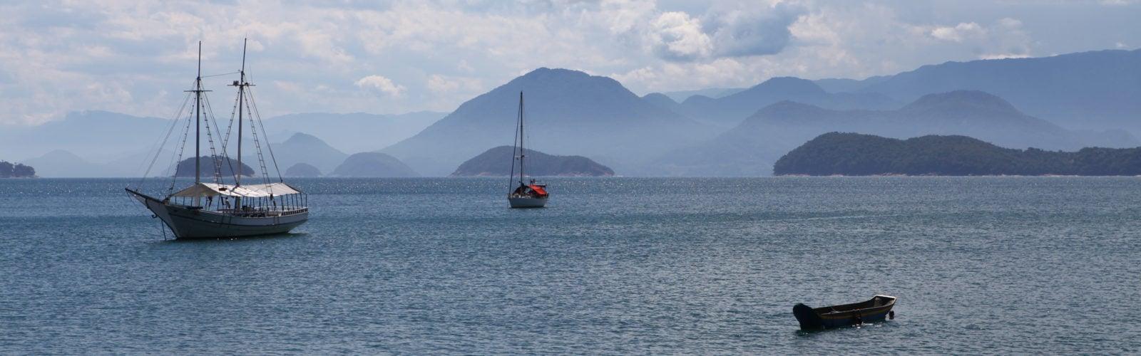 picinguaba-landscape-with-boats