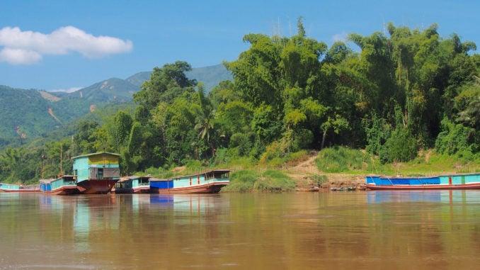 laos-boat-mekong
