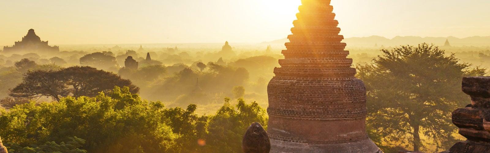 bagan-pagoda-sunlight