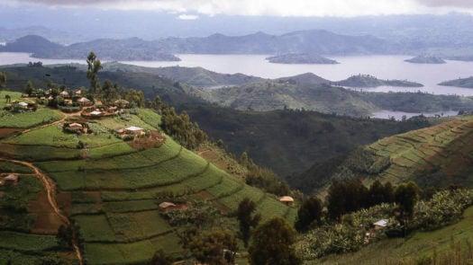 rwanda-hilltop-village-lake-ruhondo