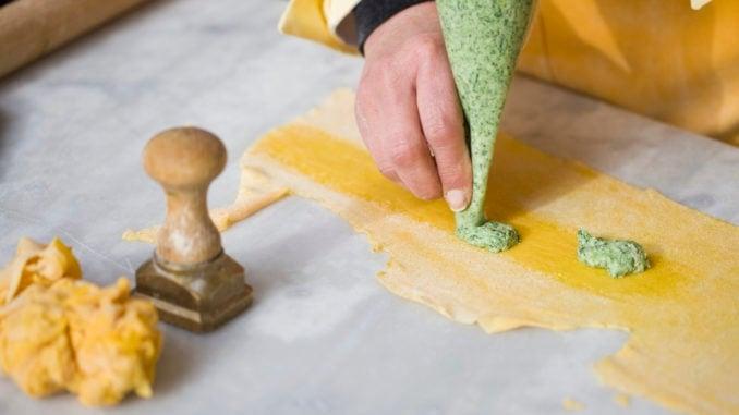 Filling the pasta dough