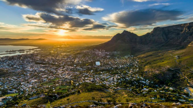 sunrise-table-mountain-capetown