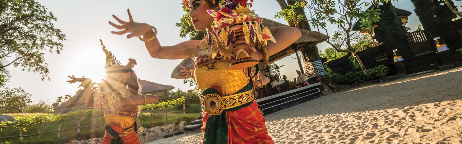 four-seasons-jimbaran-balinese-dancers