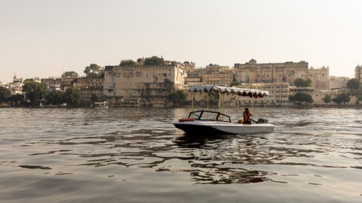 lucy-laucht-udaipur-lake-boat
