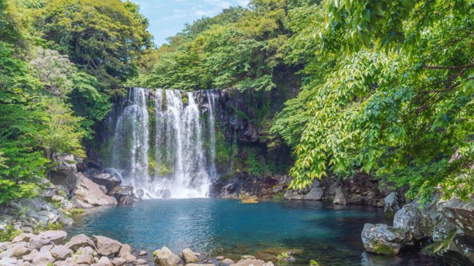 cheonjeyeon-waterfall-jeju-island-south-korea