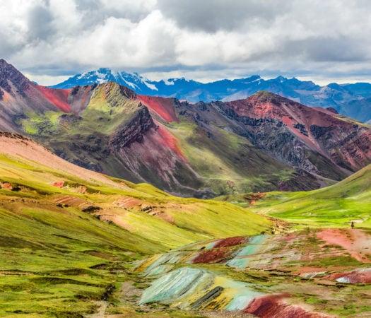 vinicuna-rainbow-mountain-peru