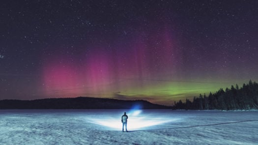 northern-lights-snowshoe-walk-swedish-lapland