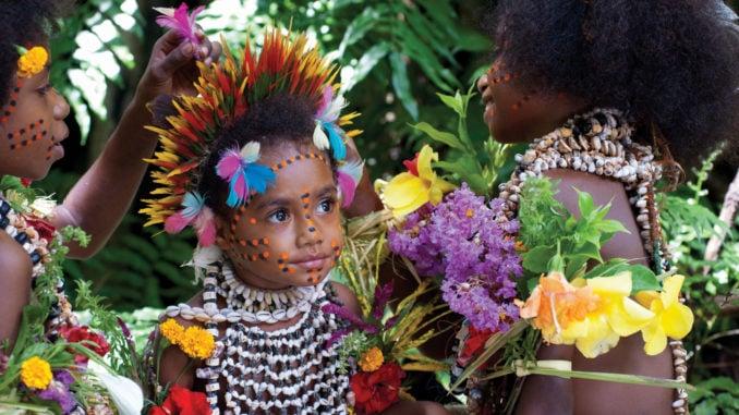 tufi-young-girl-papua-new-guinea