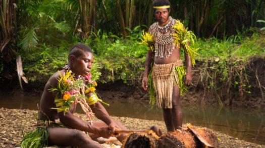 tufi-village-tribe-papua-new-guinea