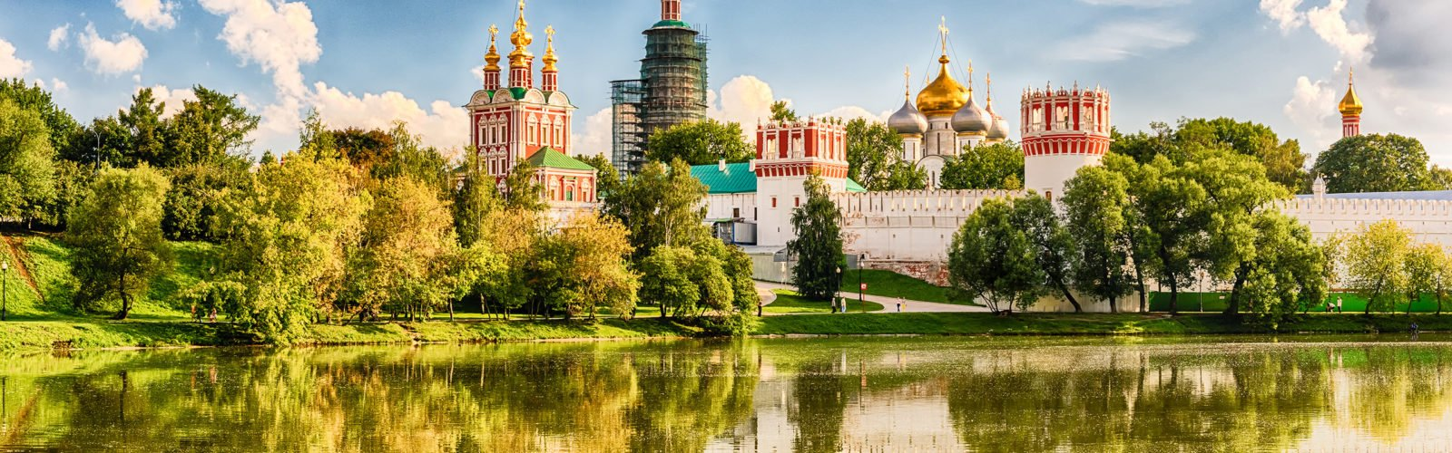 nonodevichy-convent-monastery-moscow-russia