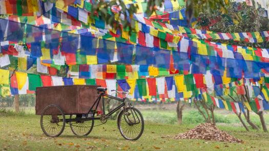 buddhist-bike-bhutan